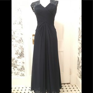 Tadashi silk beaded long gown. Size 4P. Navy